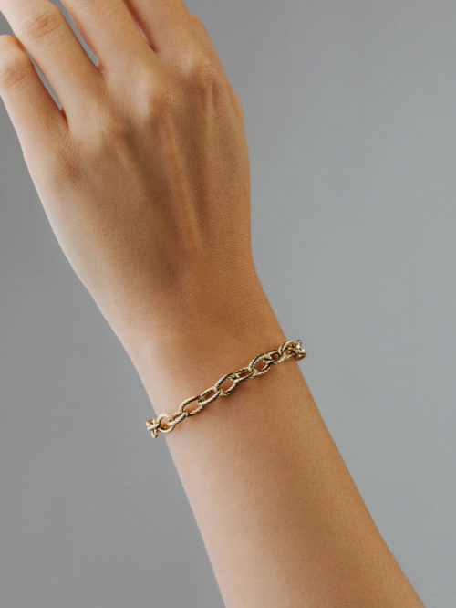 Armband-Chain-Gold-Fourth-Dimension-people3