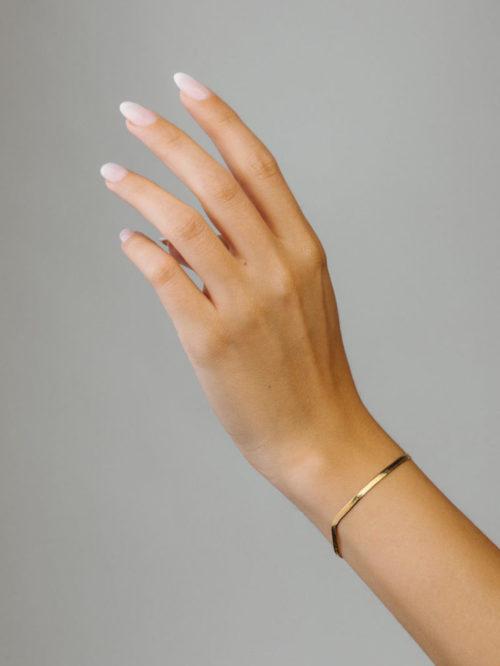Schlangen-Armband-Gold-Fourth-Dimension-people